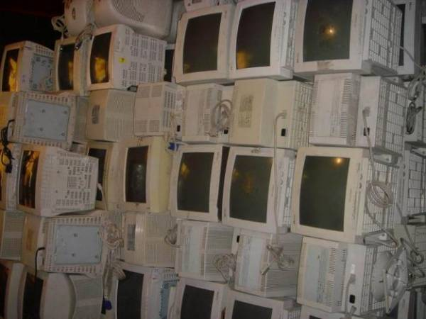 1st picture of Scrap Computer Monitor Buyer in Cebu Offer in Cebu, Philippines