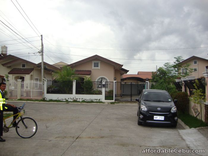 4th picture of House For Sale in cebu lapu2x Collinwood - Hidalgo Royal For Sale in Cebu, Philippines