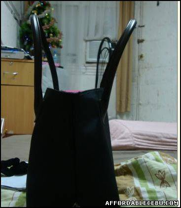 2nd picture of Authentic burberry handbag For Sale in Cebu, Philippines