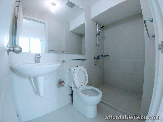 4th picture of For Lease: Acqua Residences Corner Unit For Sale in Cebu, Philippines