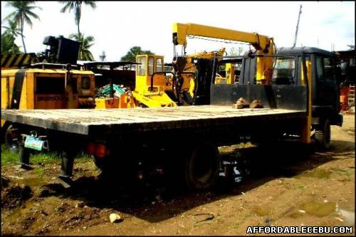 3rd picture of Truck for Sale in Cebu - Fuso self loading truck with boom For Sale in Cebu, Philippines