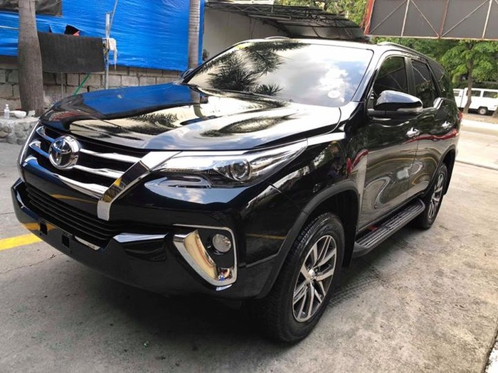 1st picture of Toyota Fortuner V 2017 4x2 Looking For in Cebu, Philippines