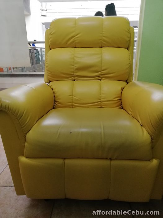 2nd picture of Recliner Chair Second Hand For Sale in Cebu, Philippines