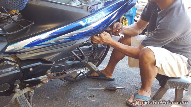 Replace motorcycle shocks 3